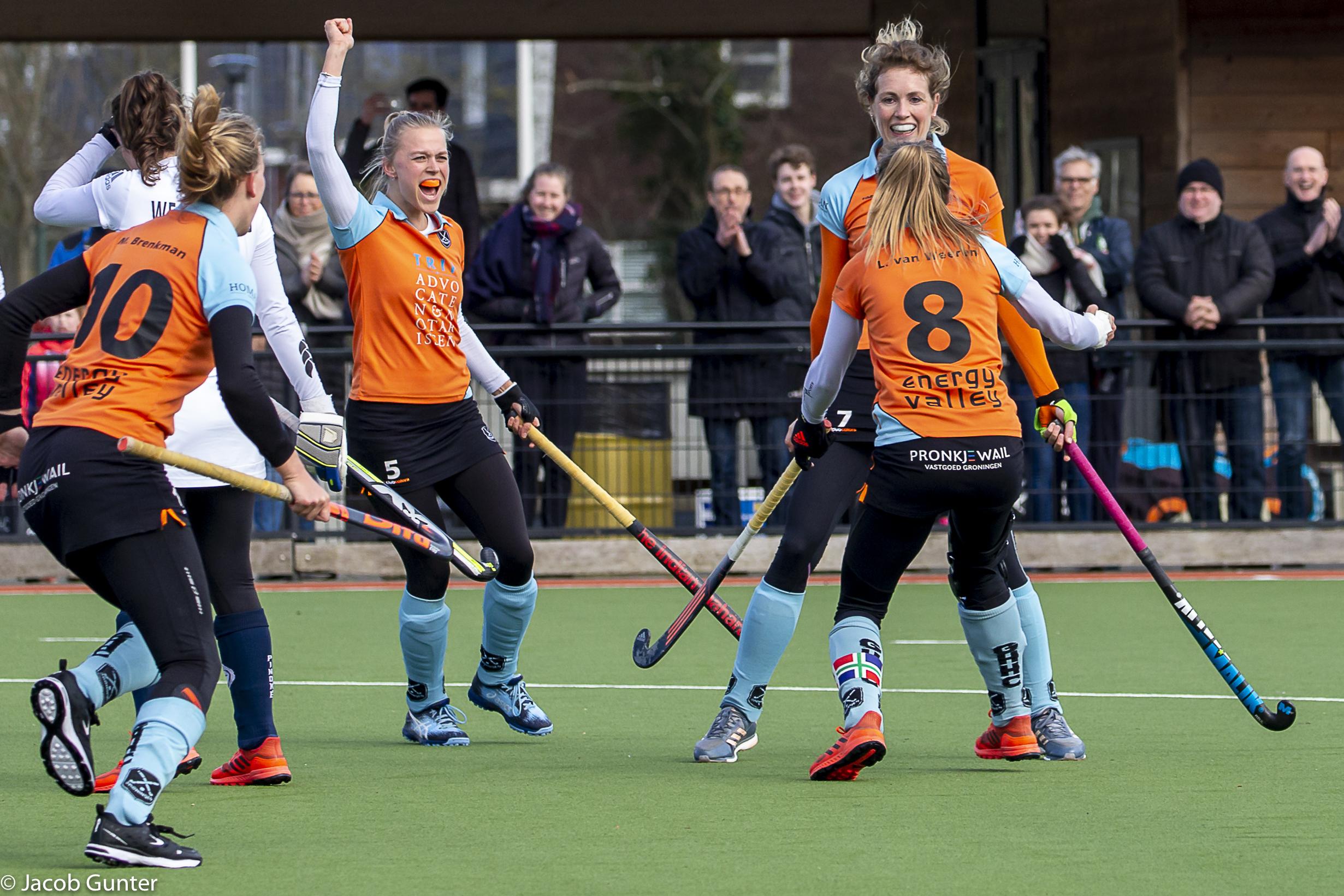 Round-up Livera Hoofdklasse (D): Amsterdam nieuwe koploopster na winst op directe concurrent Den Bosch