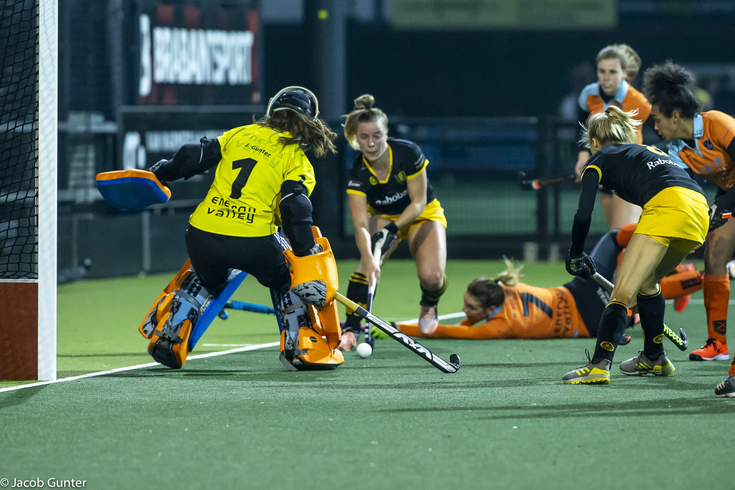 Round-up Livera Hoofdklasse (D): Amsterdam en SCHC scoren er op los, gehele top vier foutloos
