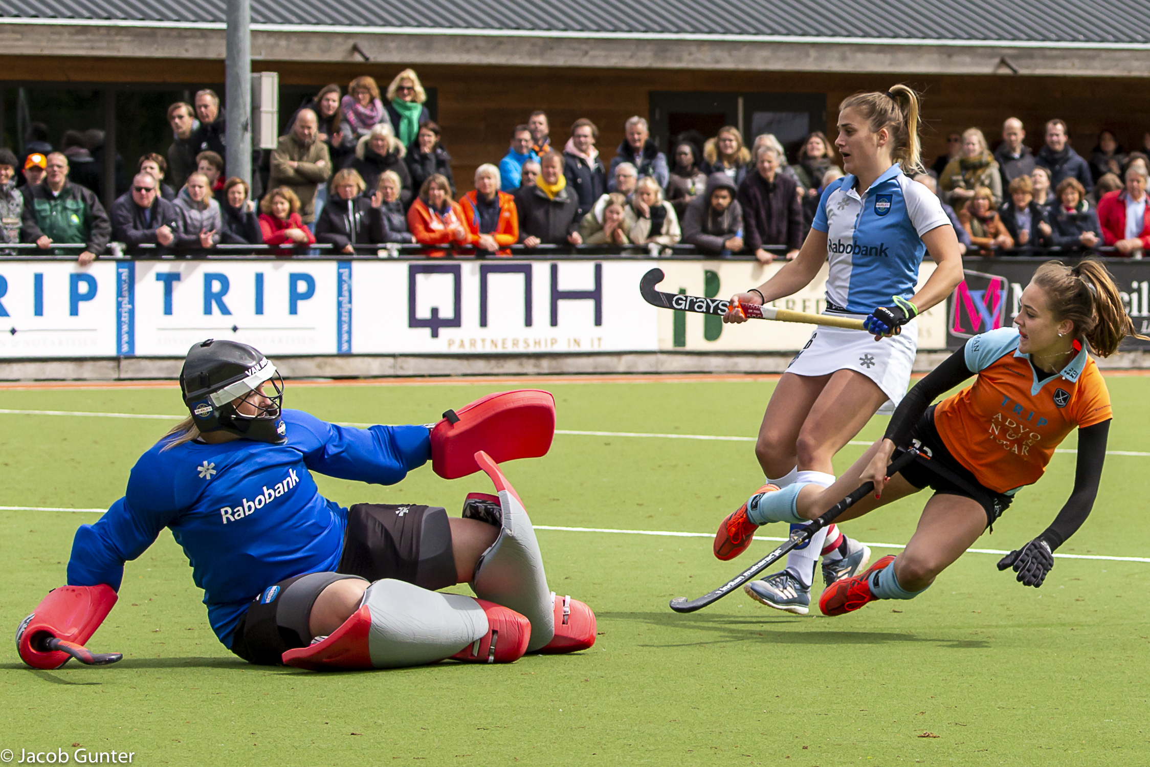 Round-up Livera Hoofdklasse (D): Den Bosch en Amsterdam winnen ruim, Gooise derby prooi voor Laren