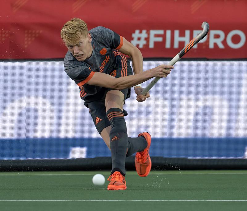 Oranje verslaat Spanje en boekt eerste Pro League-zege dankzij strafcornerkanon Janssen