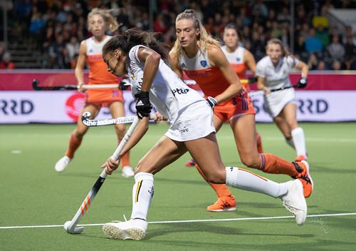 Sanne-Koolen-Ambre-Ballenghien-EK-Hockey-2019