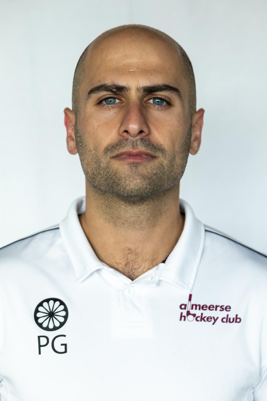 Coach Pasha Gademan maakt vertrek bekend bij Almere