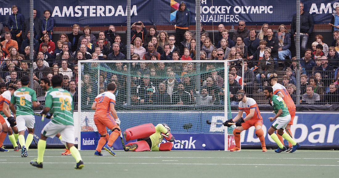 Nederland start slecht in de Olympische kwalificatie tegen Pakistan