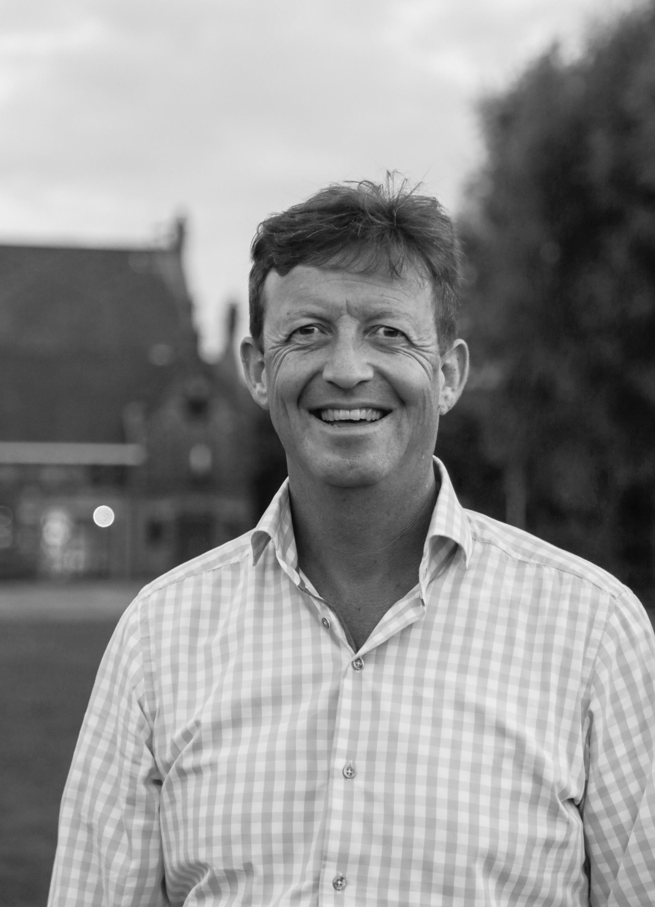 Hockey is Simpel: Voorzitter Paul Nooren over familieclub de Kikkers uit Nieuw-Vennep