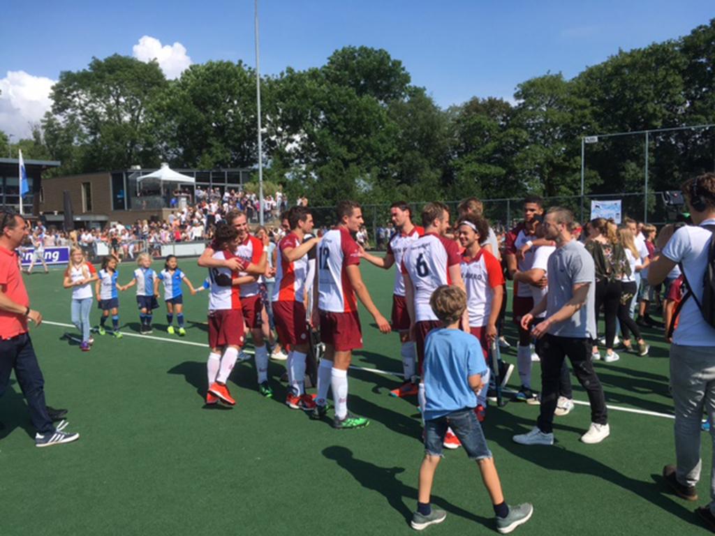 Play-outs (H): Almere blijft op hoogste niveau actief