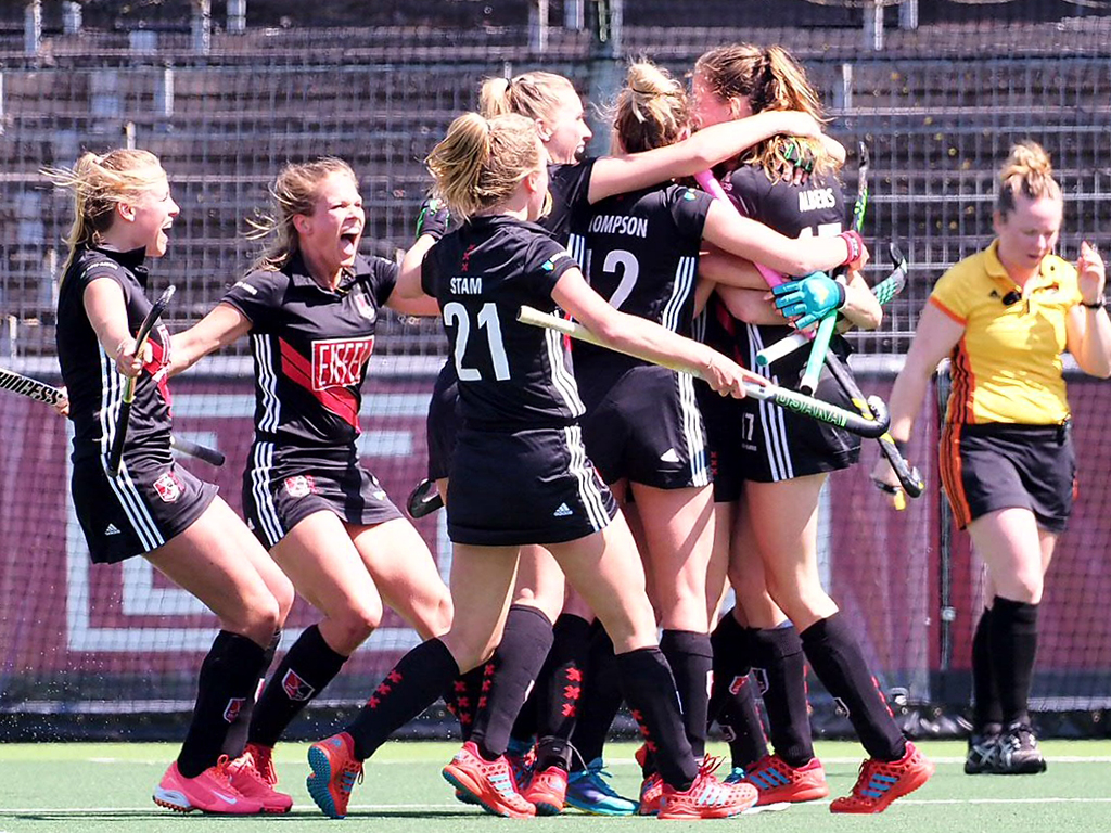 Play-offs HK (D): Amsterdam naar finale