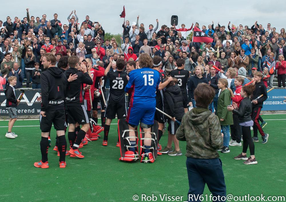 Play-offs HK foto's (H): Bloemendaal-Amsterdam 0-3