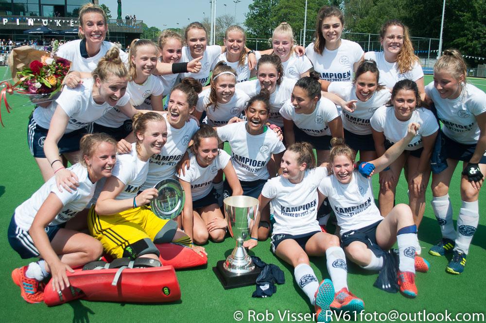 RV-PInoké-Rotterdam-Dames-Teamfoto-Pinoké-kampioen-Overgangsklasse