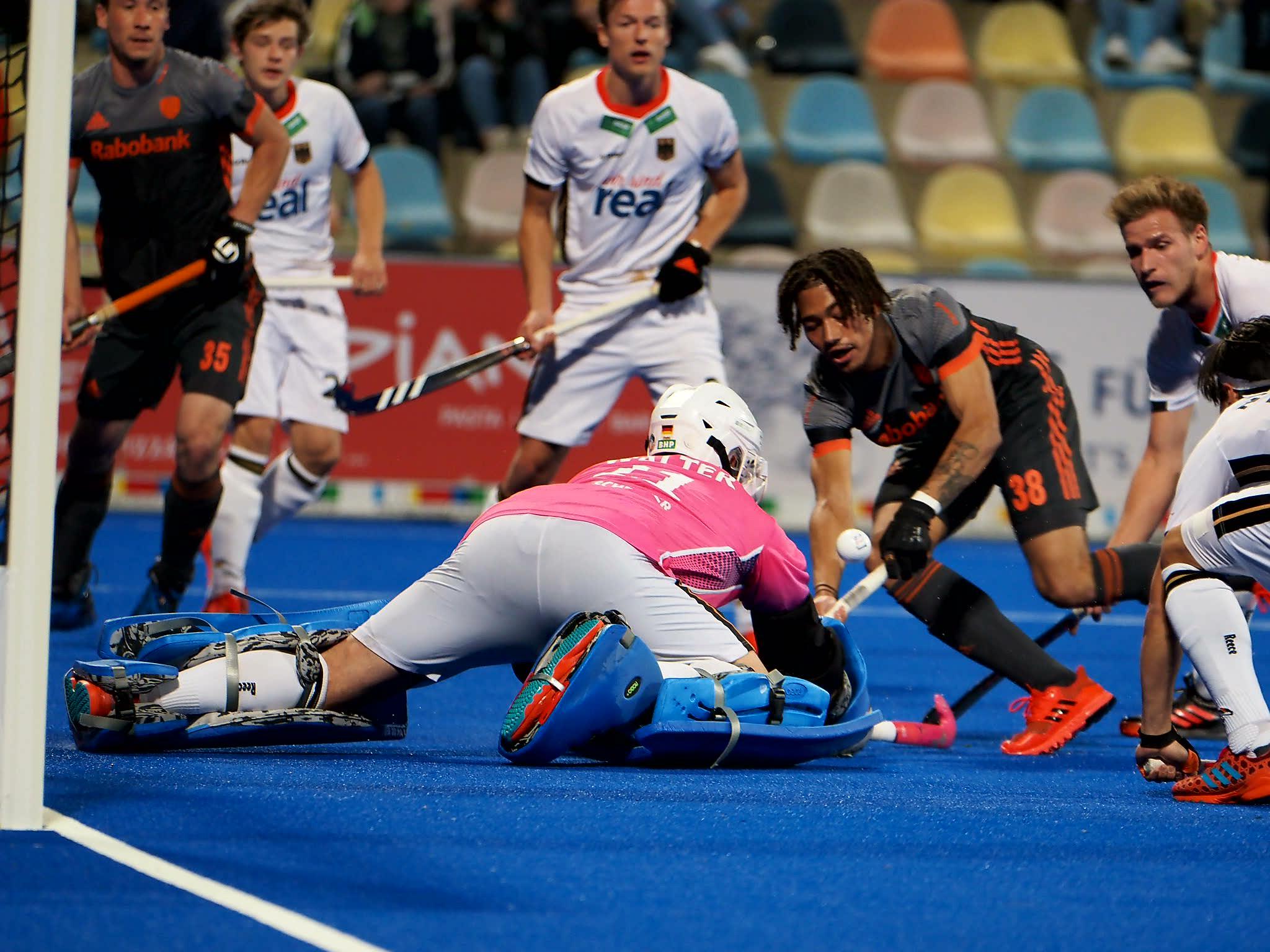 Oranje-debutant Marlon Landbrug: 'Het was een eer om vandaag te mogen spelen'